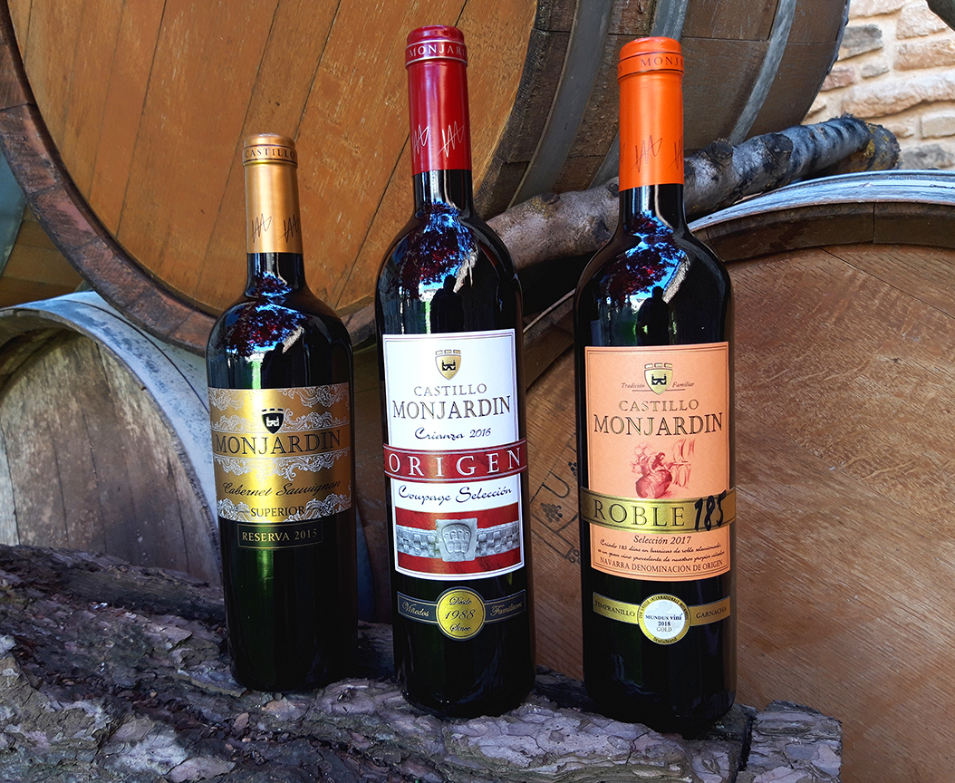 spanish red wine oak reserve castillo monjardin wineri